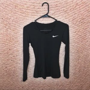 WOMENS NIKE DRY-FIT RUNNING LONG SLEEVE